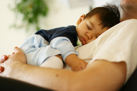 baby cosleeping with dad safe natural sleeping options