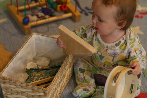 Heuristic Baby Play Using Natural and Found Objects 2 | OnePartSunshine.com